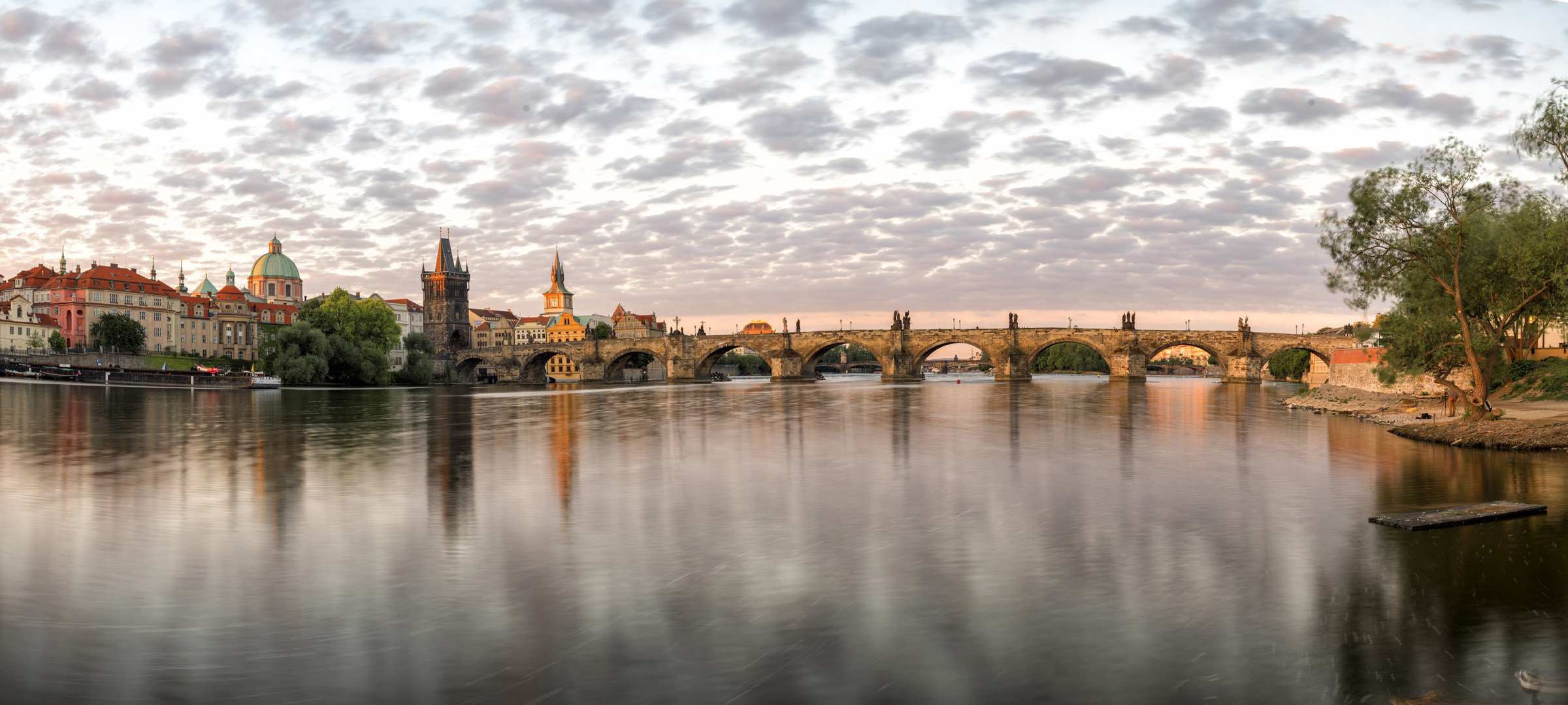 prague_bridge.jpg