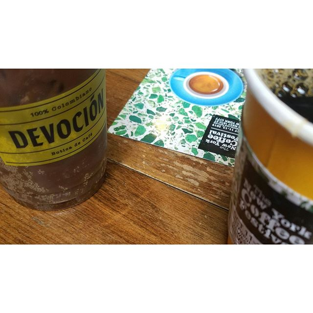 Pre- @newyorkcoffeefesivalt stop at @devocionusa. Thank you, Chris & Cody for that absolute 10/10 service, incredible drip and Cascara Soda. Y'all complete this gorgeous cafe. 🙏 Truly indicative of how the flavors of the rest of the weekend went: well balanced while showcasing surprising freshness. Nyc is definitely tryna hold onto summer but we're here for it