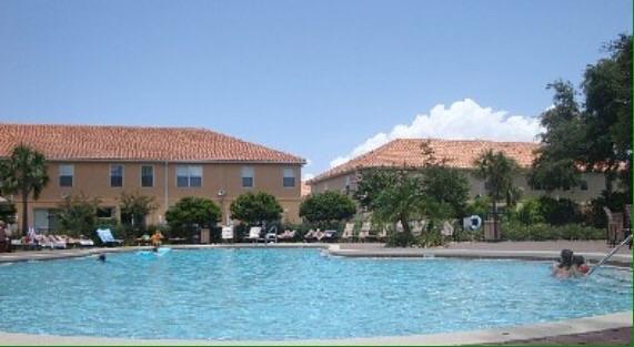 28 clube piscina.jpg