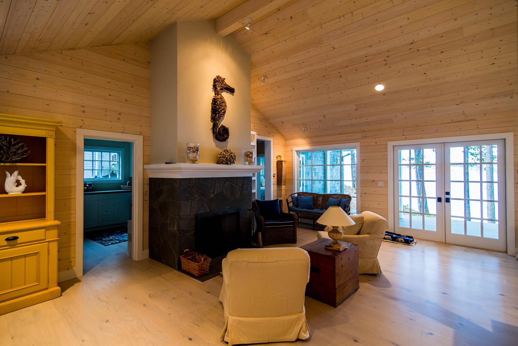 Friday Harbor, San Juan Island - Davidson Head Custom Guest House Living Room