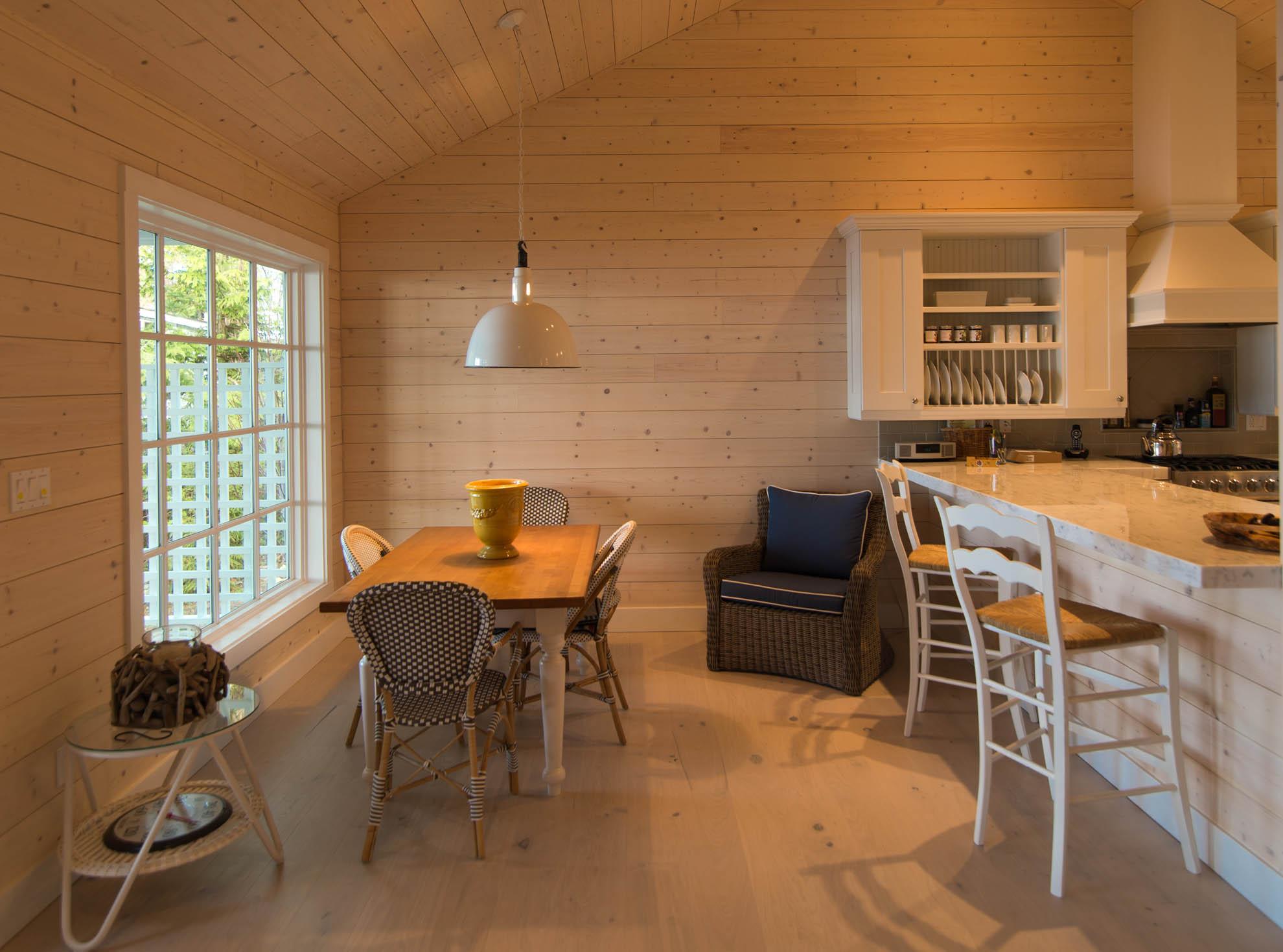 Friday Harbor, San Juan Island - Davidson Head Custom Guest House Dining Room