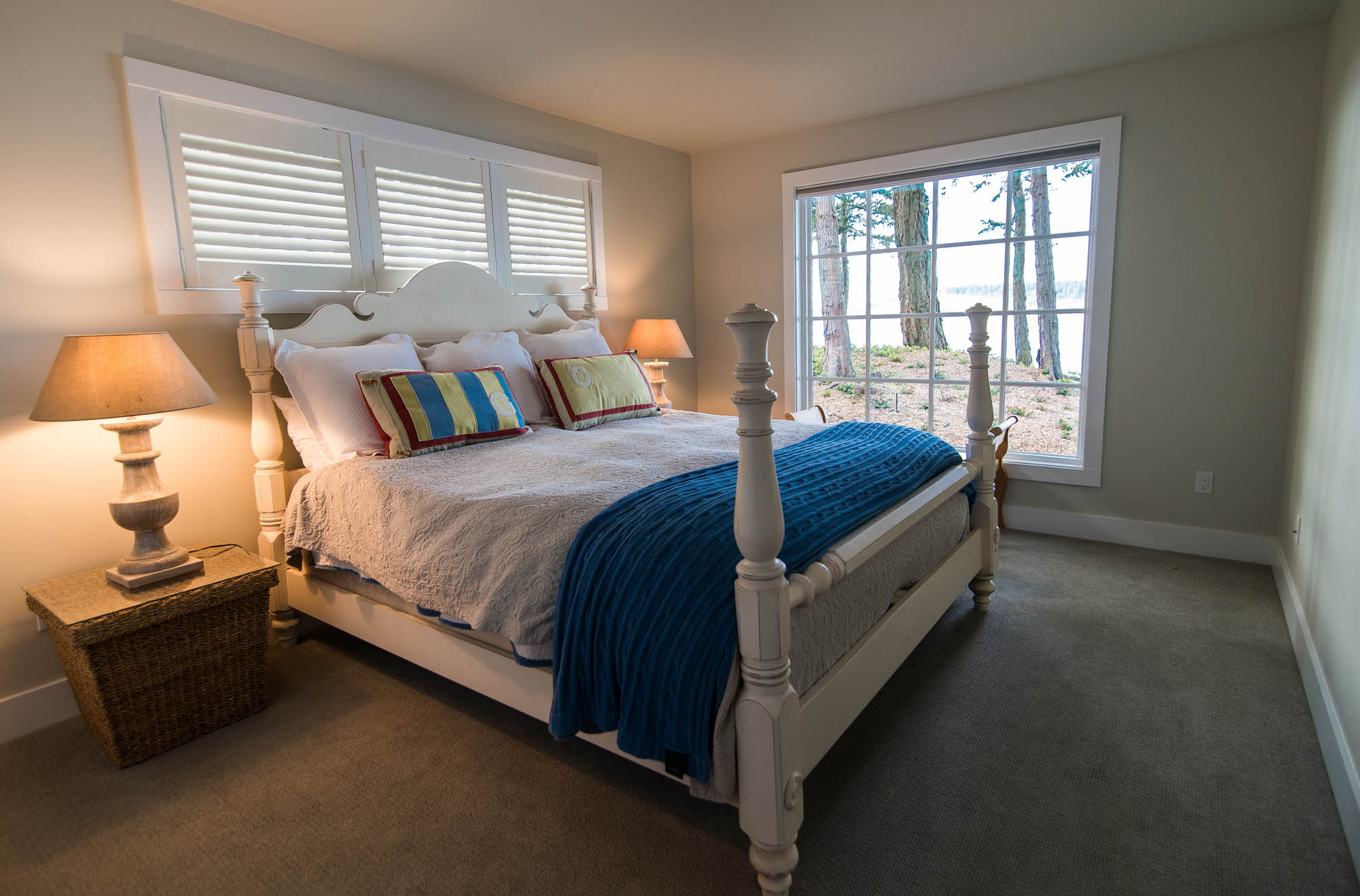 Friday Harbor, San Juan Island - Davidson Head Custom Guest House Bedroom