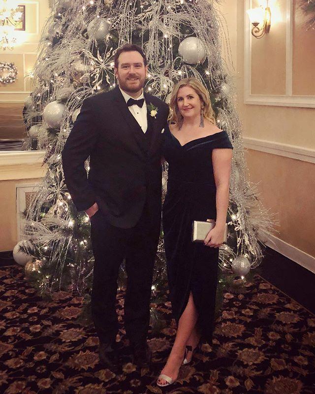 ✨🎄✨ Celebrating @daa_bell and @lyss_prince this weekend. 💕#weddingbells #winterwedding