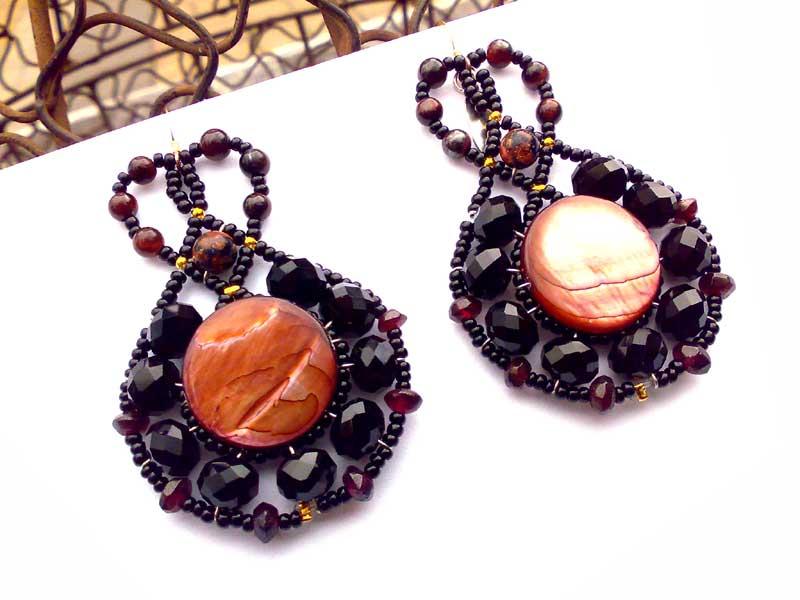 Lucky Charm Garnet - earrings