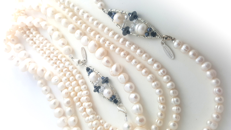 Brenda Giant Pearls necklace.jpg