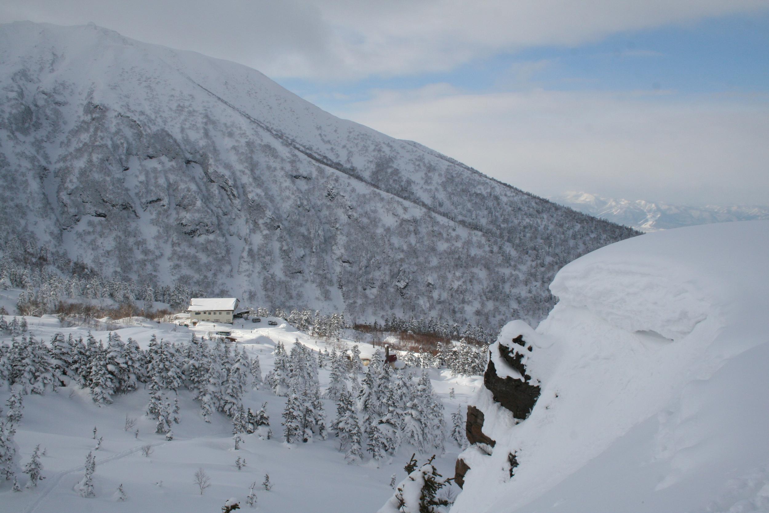 Ski Tokachi Mountains Ryounkaku Lodge