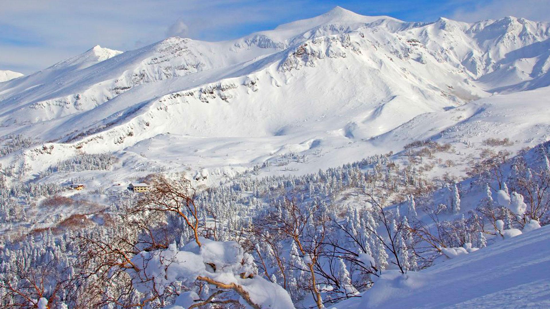 The superb Tokachi Mountains.