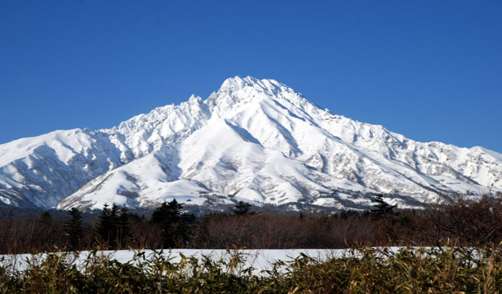 Bespoke Tours like Rishiri or Mt Yotei