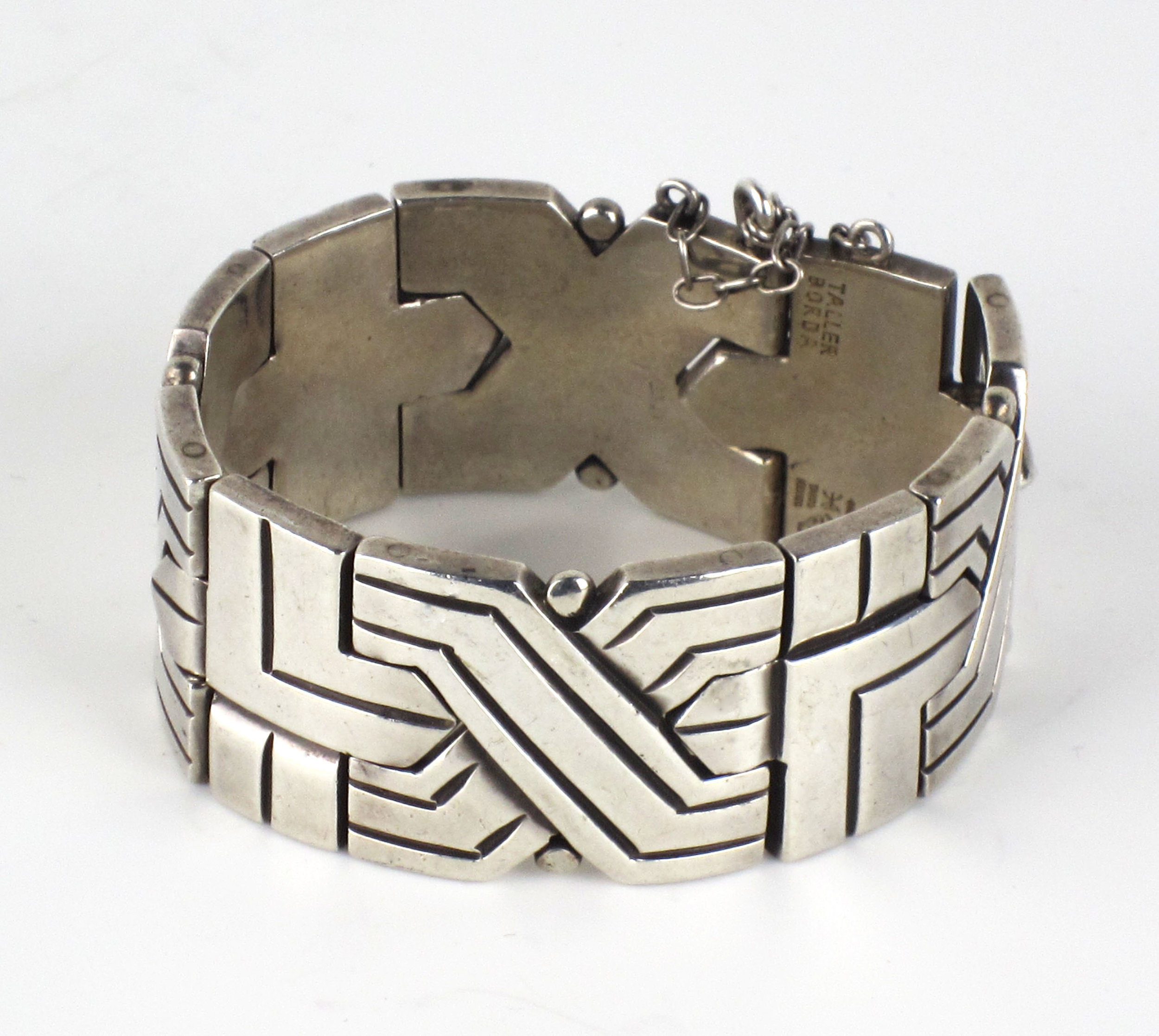 http://www.marcyburns.com/taxco-jewelry-collection/hector-aguilar-link-bracelet