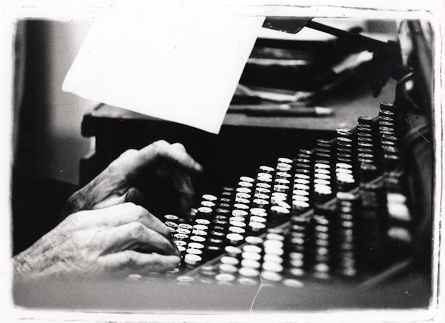 Lewis Mitchel at the Keyboard, Photo by Jinny Pearce, all rights reserved.
