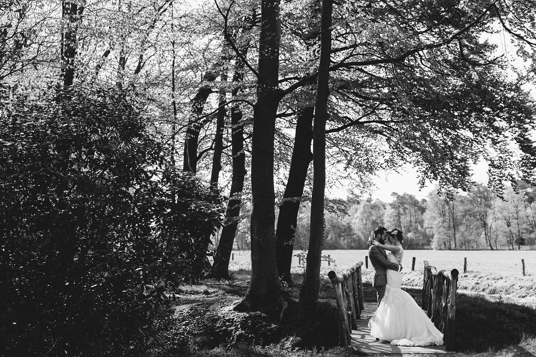 Pure Bruidsfotografie Deventer - Vintage bruiloft aan de IJssel - Jeroen en Hannah_0008.jpg