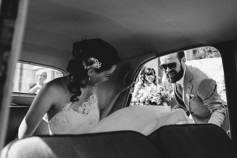 Pure Bruidsfotografie Deventer - Vintage bruiloft aan de IJssel - Jeroen en Hannah_0017.jpg
