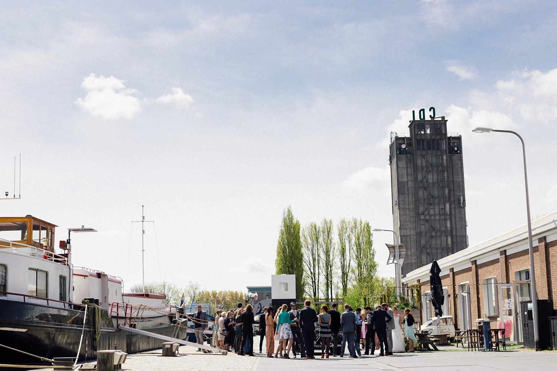 Pure Bruidsfotografie Deventer - Vintage bruiloft aan de IJssel - Jeroen en Hannah_0020.jpg