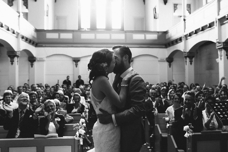 Pure Bruidsfotografie Deventer - Vintage bruiloft aan de IJssel - Jeroen en Hannah_0037.jpg