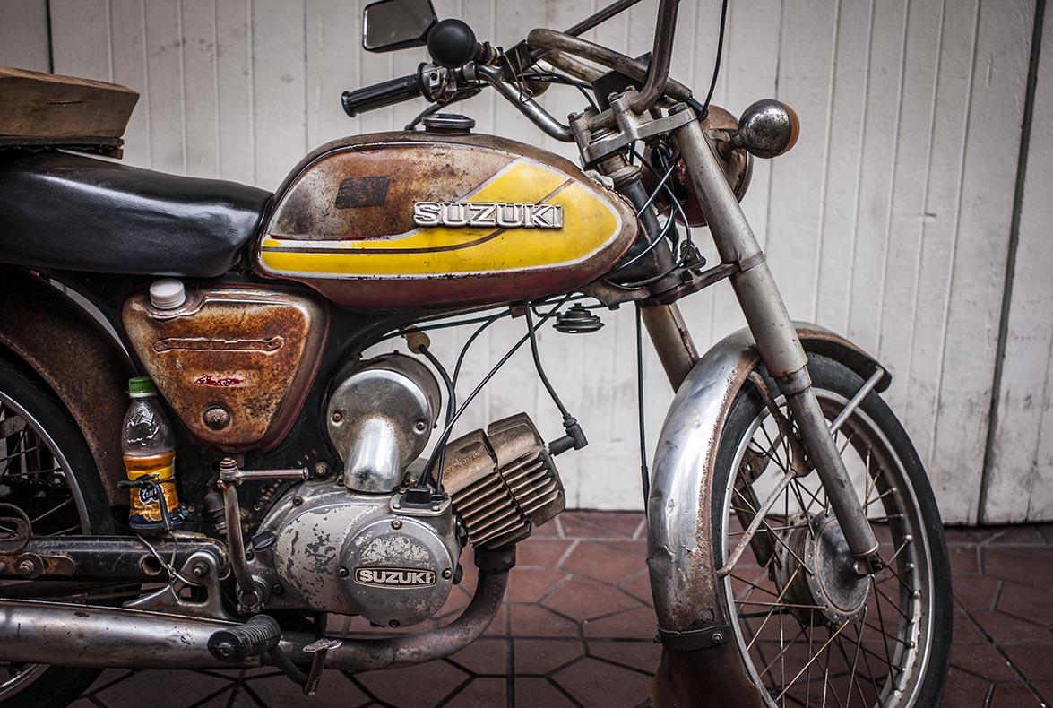 A sulking Suzuki, Bankok, Thailand.