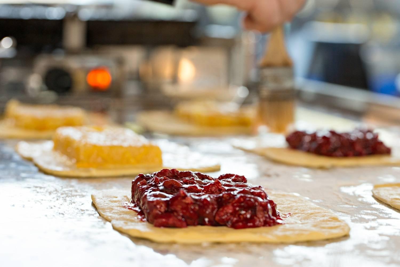 Waffle King - Making Fruit Waffle