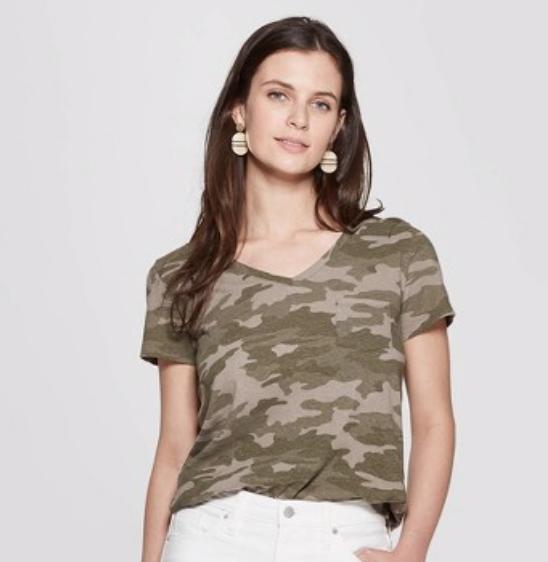Camo Print Relaxed Fit Short Sleeve V-Neck Monterey Pocket T-Shirt - Universal Thread™