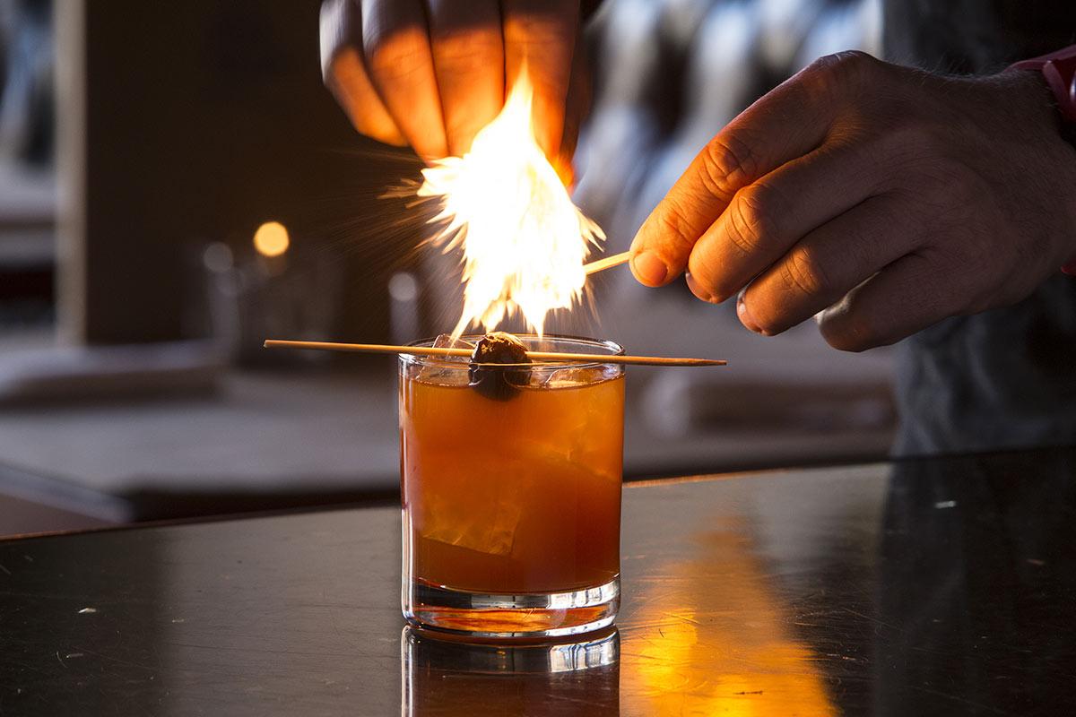 lucky-roanoke-cocktail-photograph.JPG