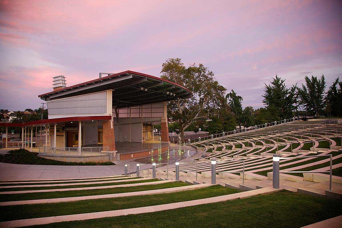 Photograph of Elmwood Park in Roanoke, Virginia.