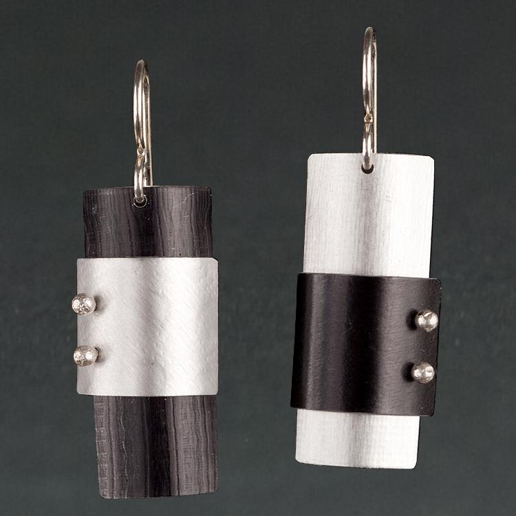 D - Black, Silver