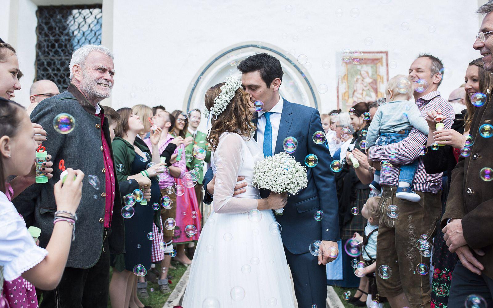 Tanja Hochzeit Seifenblasen.jpg