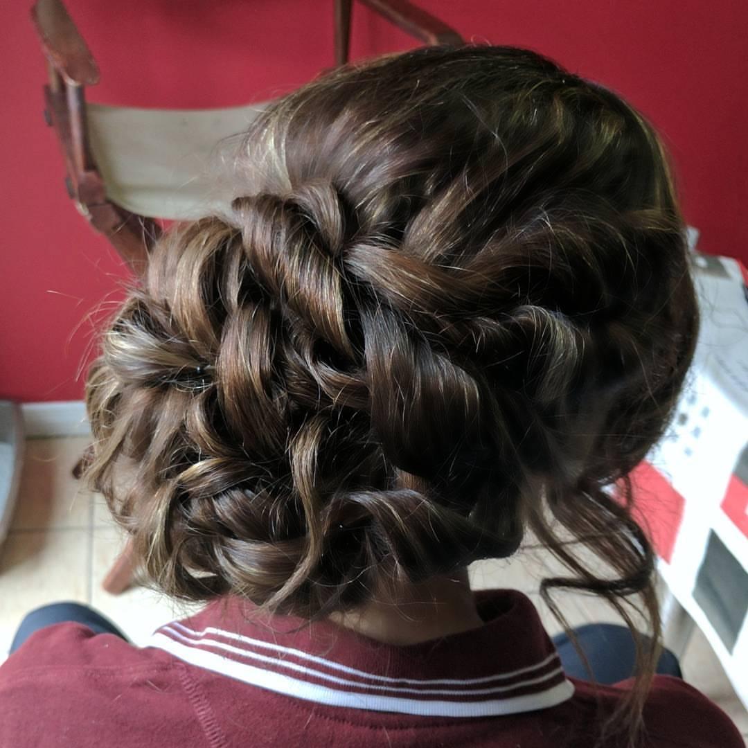 bridal hairstyle 1-905-979-4220.jpg