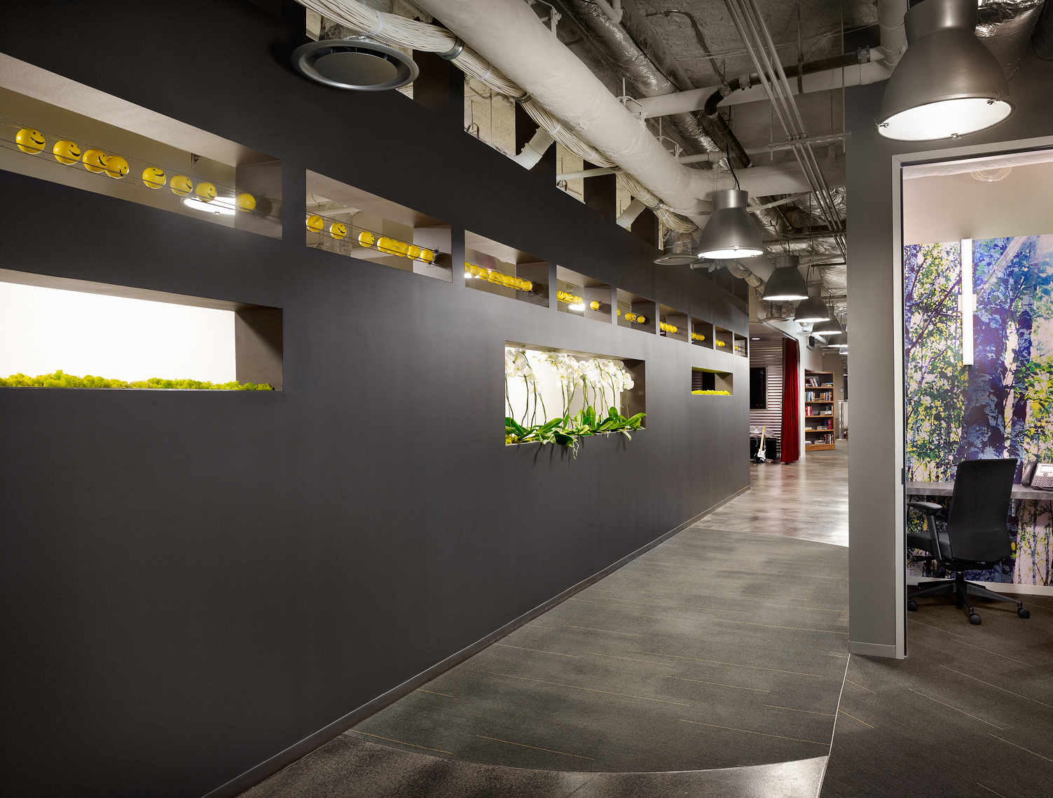 hallway_alt.noballs.jpg