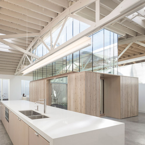 Bowstring-Truss-House-by-Works-Partnership-Architecture_dezeen_2sq.jpg