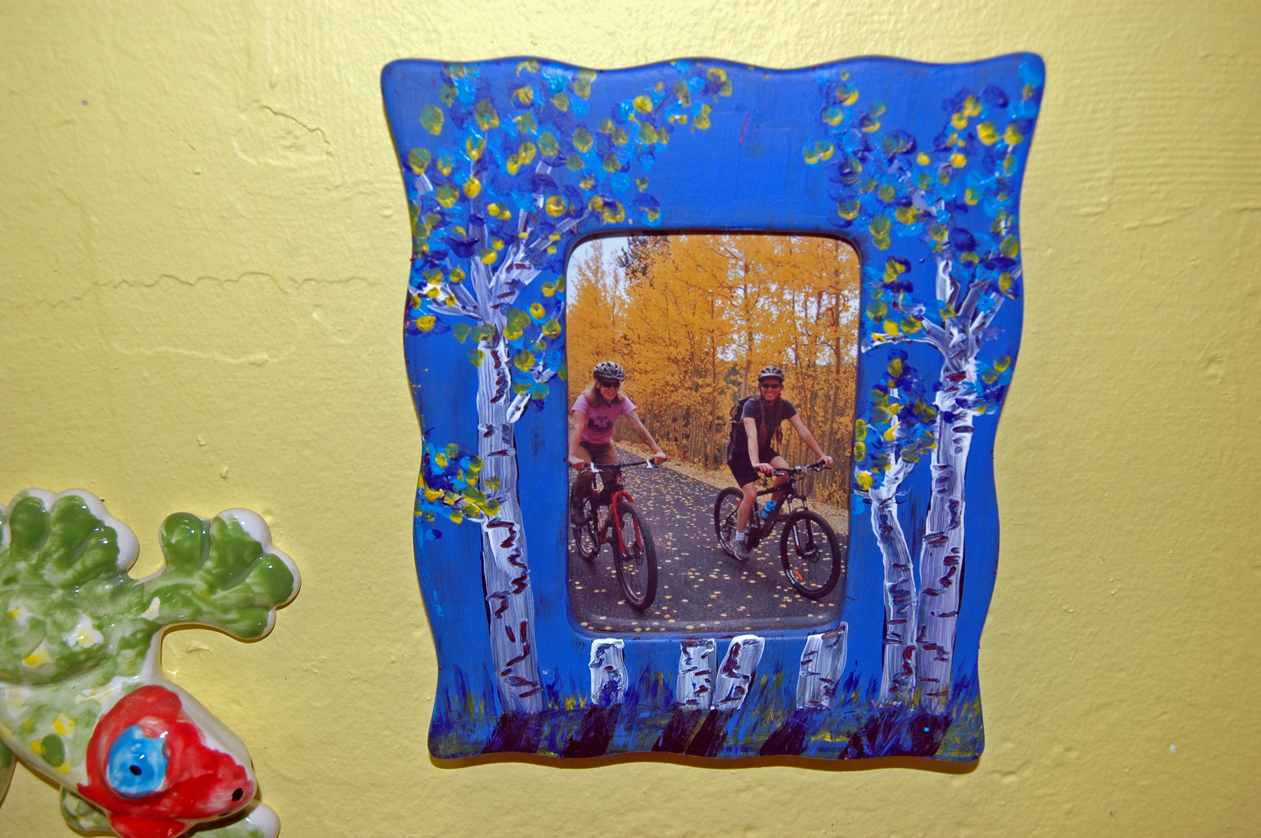 This picture frame was made with acrylic paint!