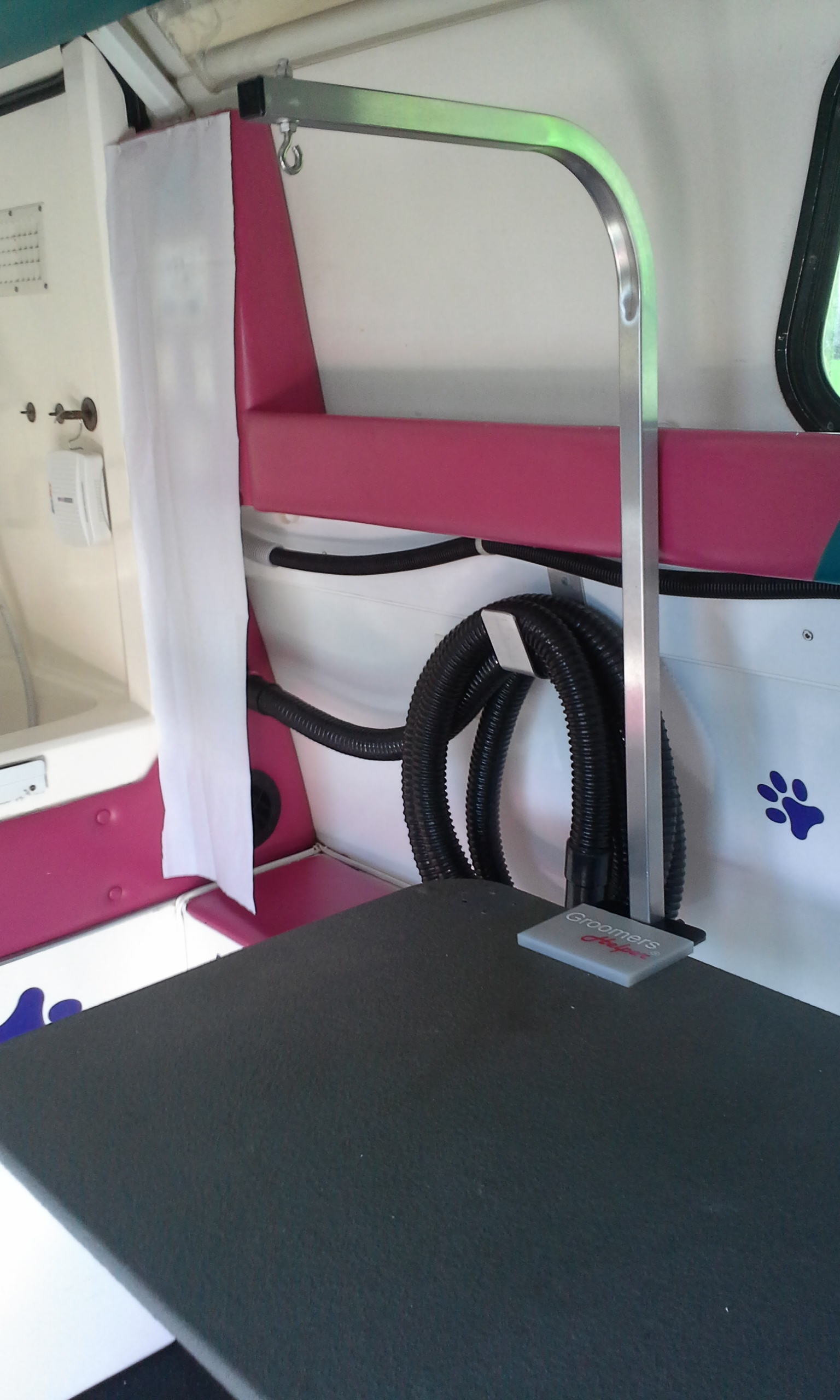 Mobile Grooming Table