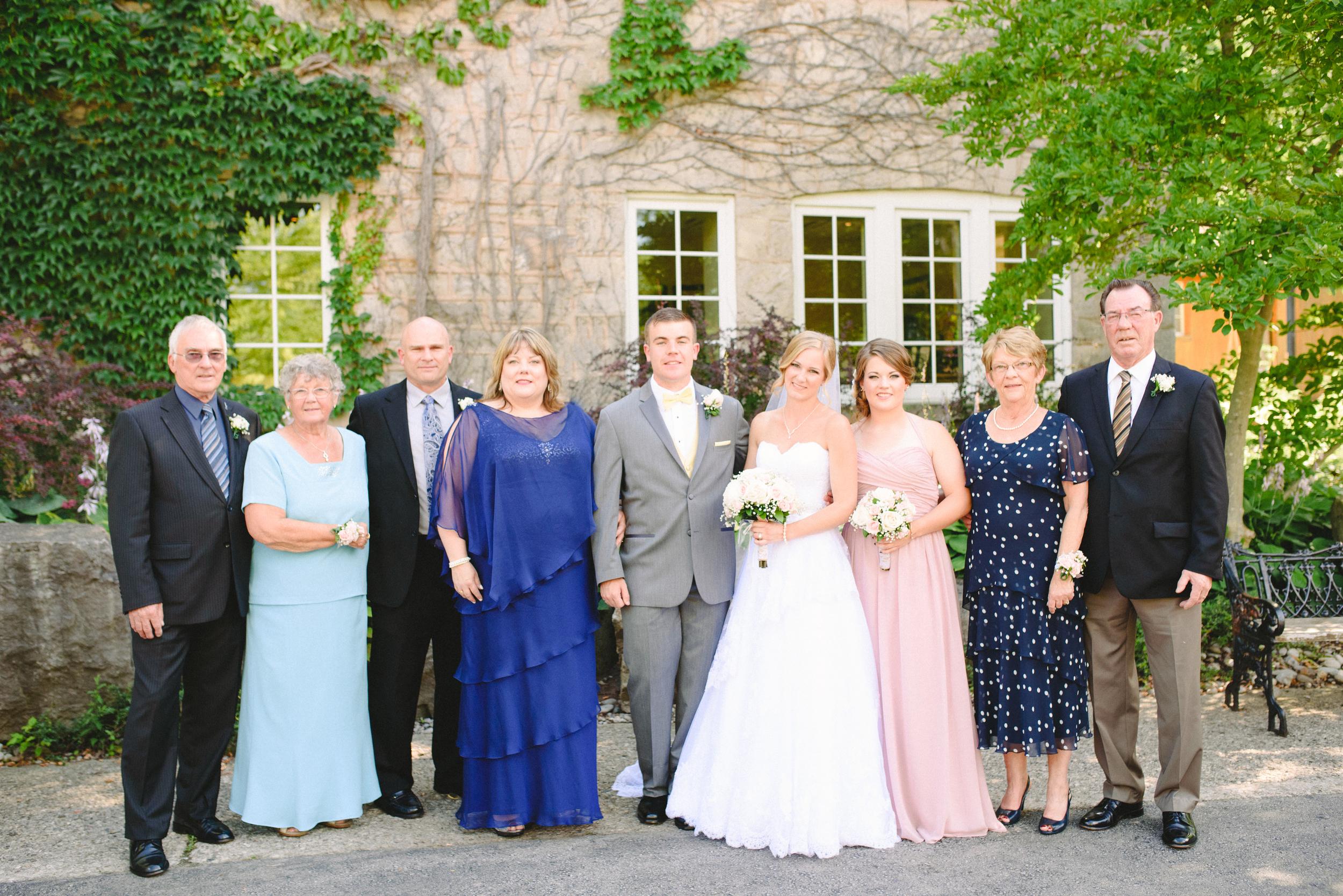 Arynn Photography, Toronto wedding photographer, Durham wedding photographer, how to organize family photos, family wedding photos, wedding family portraits,