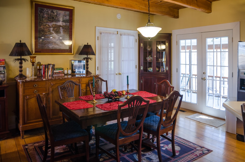 02_missionary-guesthouse-dining-table.jpg