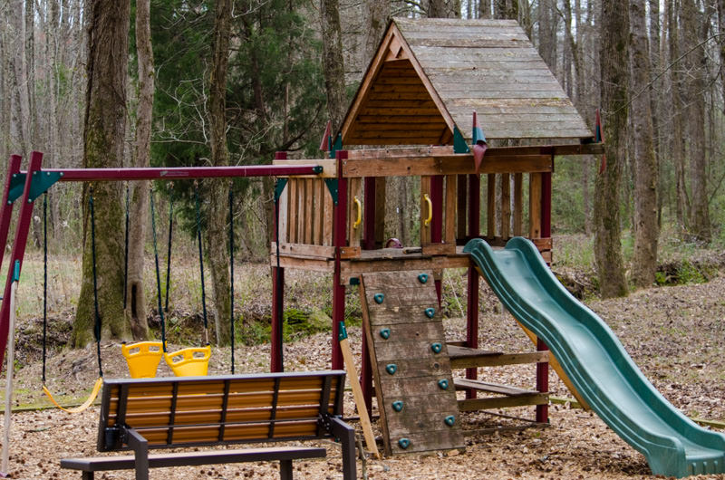 15_Missionary_guesthouse_playground.jpg