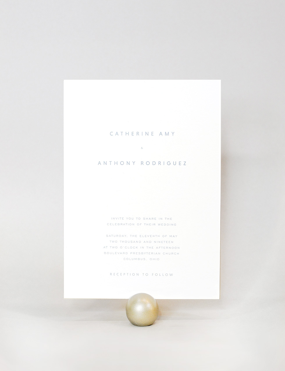 Heron - Calling all modern-loving couples: Heron is the one for you. Simple geometric typography. Loads of white space. Perfect for an industrial, mid-century, or understated wedding.