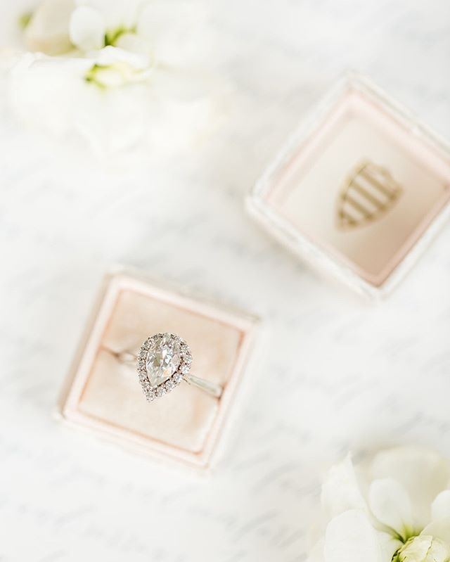 I might be partial, but what's not to love about a pear shaped diamond 💍⠀⠀⠀⠀⠀⠀⠀⠀⠀ ⠀⠀⠀⠀⠀⠀⠀⠀⠀ Photographer | @michellejoyphoto⠀⠀⠀⠀⠀⠀⠀⠀⠀ Venue | @swanlakeeventcenter⠀⠀⠀⠀⠀⠀⠀⠀⠀ Florist | @petalsandleavesflorist⠀⠀⠀⠀⠀⠀⠀⠀⠀ Planning & Coordination | @courtney_aisleandco @aisleandco⠀⠀⠀⠀⠀⠀⠀⠀⠀ Hair | @hairbycaitlinrolander⠀⠀⠀⠀⠀⠀⠀⠀⠀ Makeup | @lerevemakeup⠀⠀⠀⠀⠀⠀⠀⠀⠀ Gown Designer | @buildabride_official by @heidielnora⠀⠀⠀⠀⠀⠀⠀⠀⠀ Gown Boutique | @thebridebabe⠀⠀⠀⠀⠀⠀⠀⠀⠀ Navy Suit | @boss⠀⠀⠀⠀⠀⠀⠀⠀⠀ Black Tuxedo | @actux⠀⠀⠀⠀⠀⠀⠀⠀⠀ Rentals | @gyclinens⠀⠀⠀⠀⠀⠀⠀⠀⠀ Wooden Table | @auburnandivorycreative⠀⠀⠀⠀⠀⠀⠀⠀⠀ Cake | @alicespoc⠀⠀⠀⠀⠀⠀⠀⠀⠀ Stationery Design | @birdhausco⠀⠀⠀⠀⠀⠀⠀⠀⠀ DJ & Uplighting | @turnupcolumbus⠀⠀⠀⠀⠀⠀⠀⠀⠀ Models | @juliasimmonsphotography @chloehorvathphotography