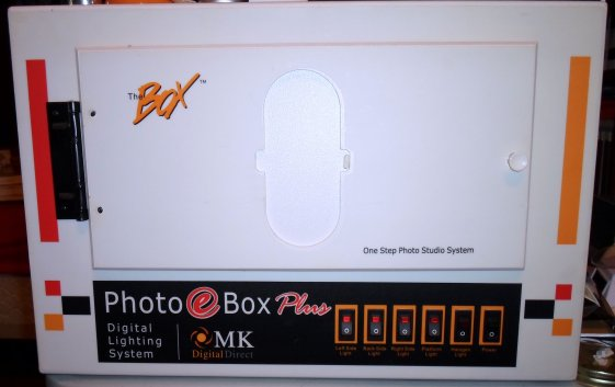 A light box, used for small product images.