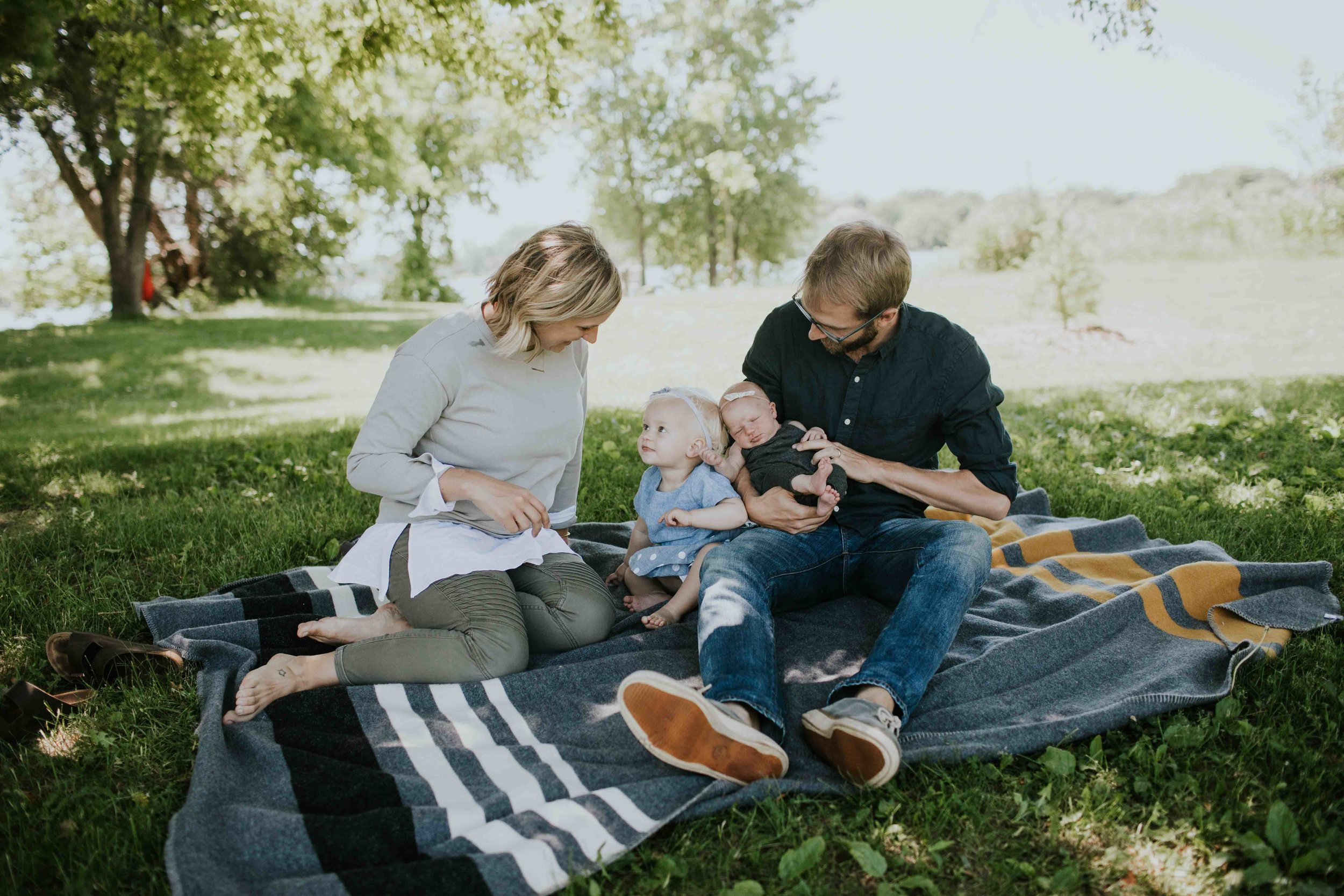 newborn family lifestyle photographer minneapolis st paul minnesota