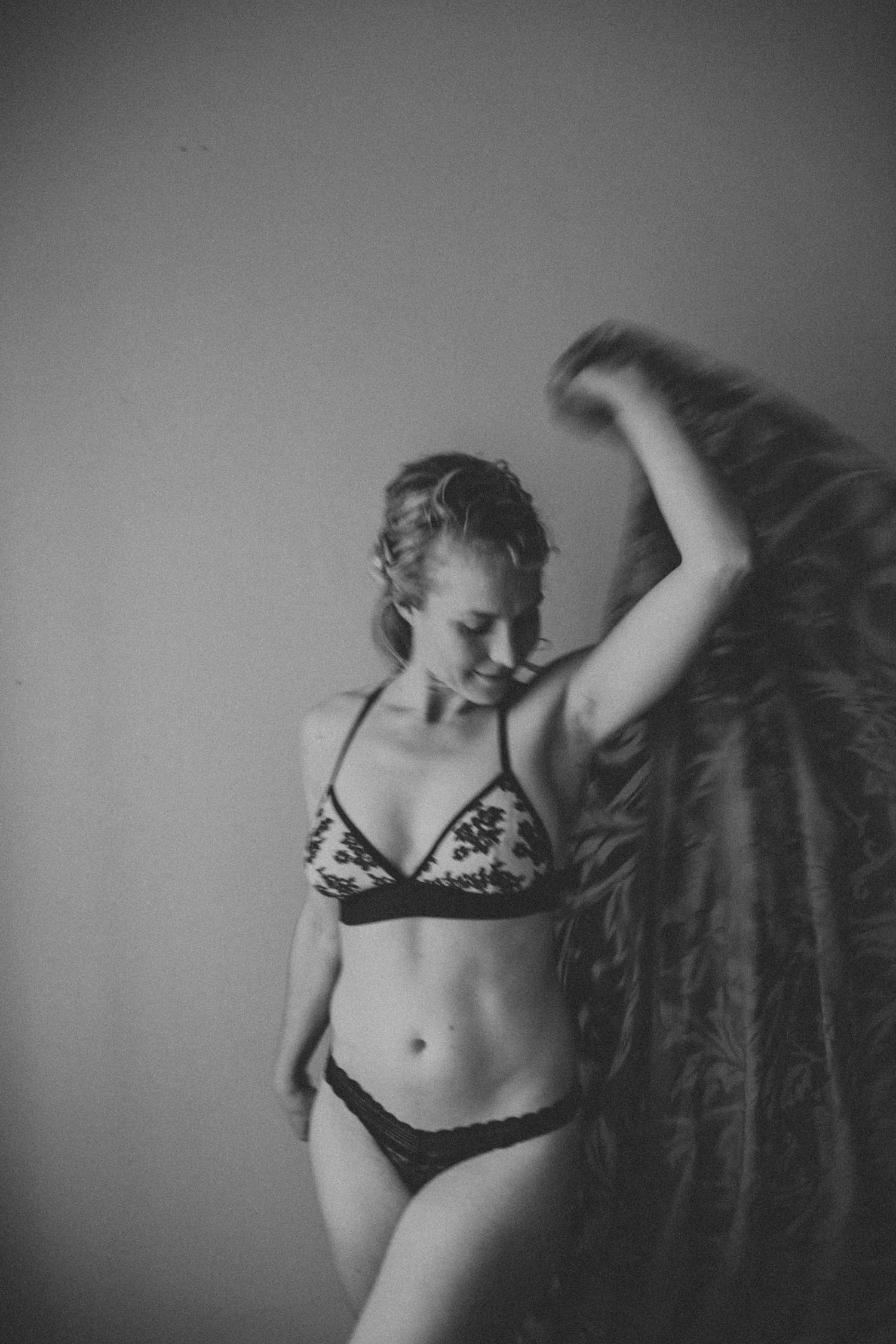 Madison Milwaukee Boudoir Photographer Chloe Ann Photography_0007.jpg