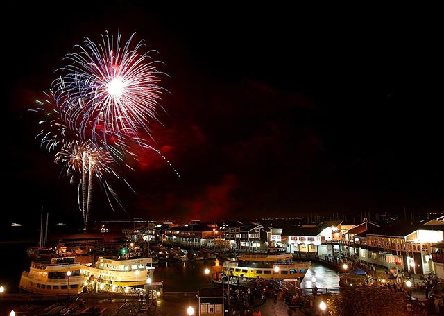 Happy Fourth! 🇺🇸 Are you ready to celebrate the Independence Day in Fisherman's Wharf? #4thofjuly #fireworks #sanfrancisco #fishermanswharf #glutenfreesf #sfglutenfree #bakedpotatoes #spud
