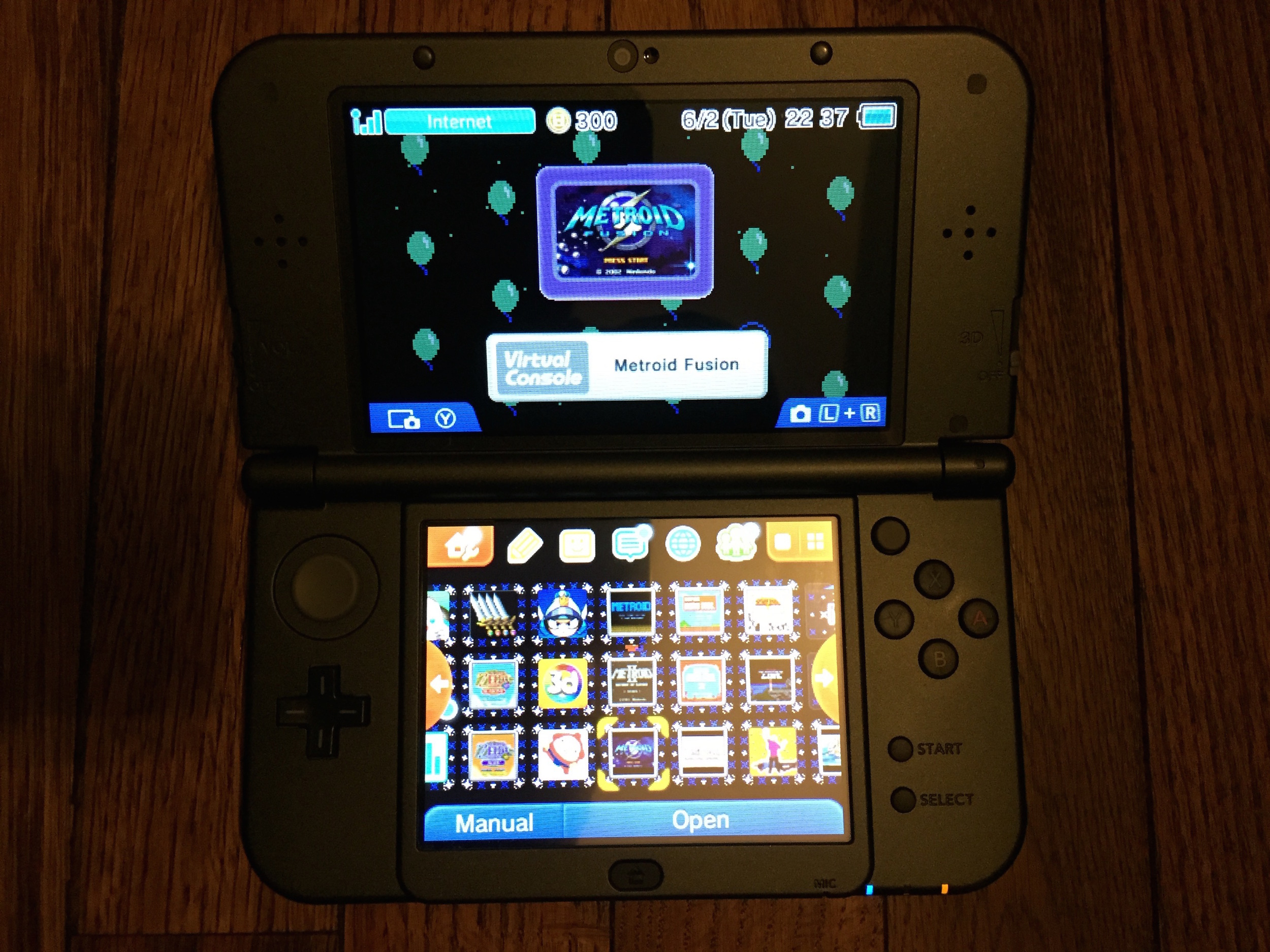 The Nintendo 3DS, easily the fastest and most advanced Nintendo OS, supports themes (check out my  Balloon Fight  one!), resizable app icons, and was the first Nintendo OS to support folders.
