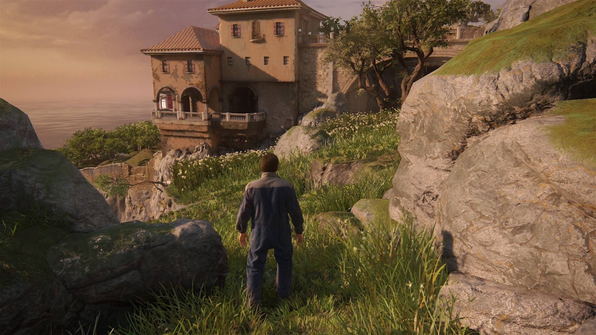 uncharted_4_once_a_thief_sneaking.jpg