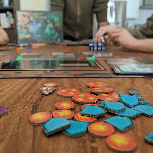 A little #bts from today's video shoot for @raidbossgame  #boardgame #photography #lovemyjob #nerdlife