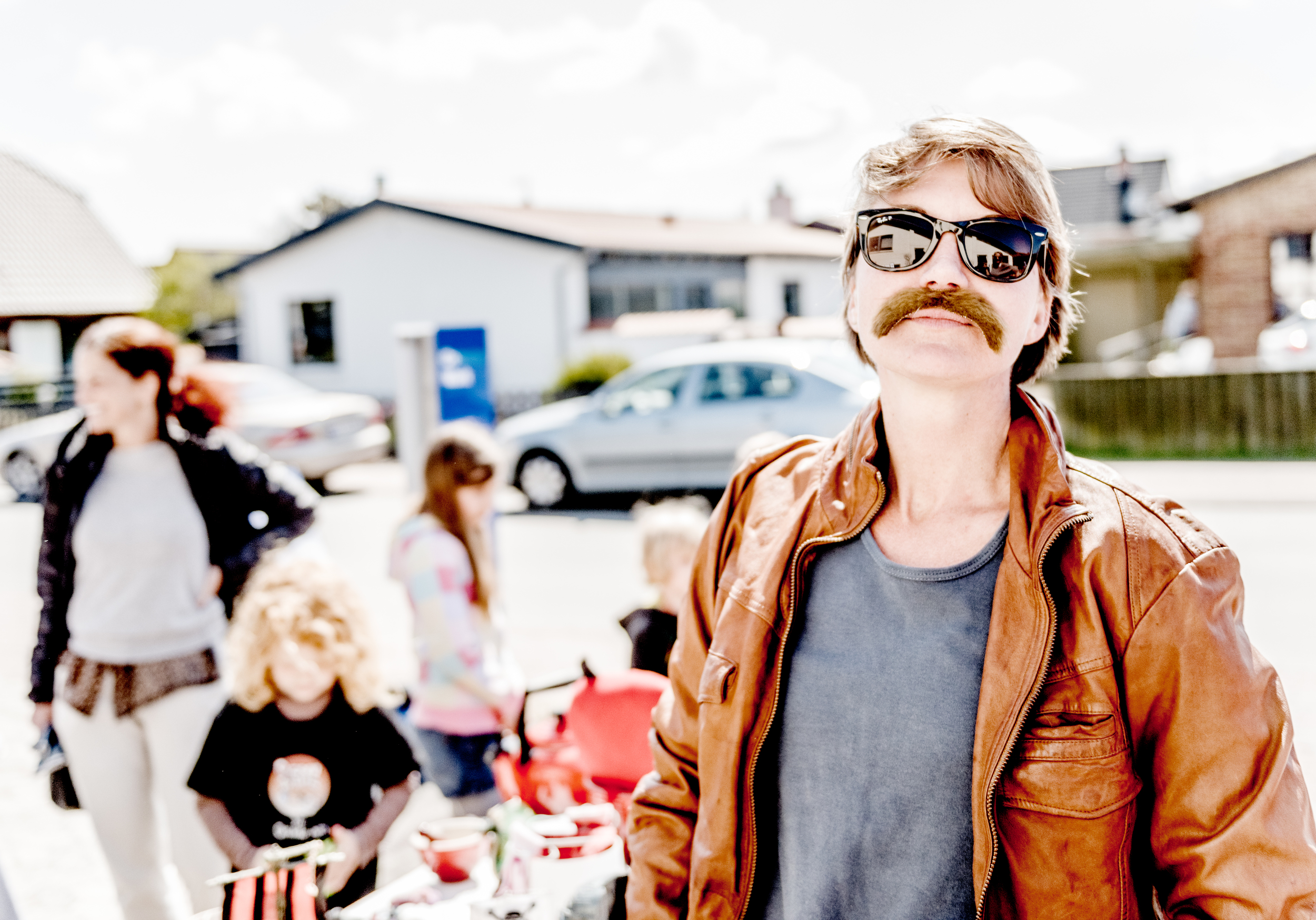 Rumour has it that Tina works for the Danish secret service. For this event, she was a taxi driver and took potential troublemakers away.