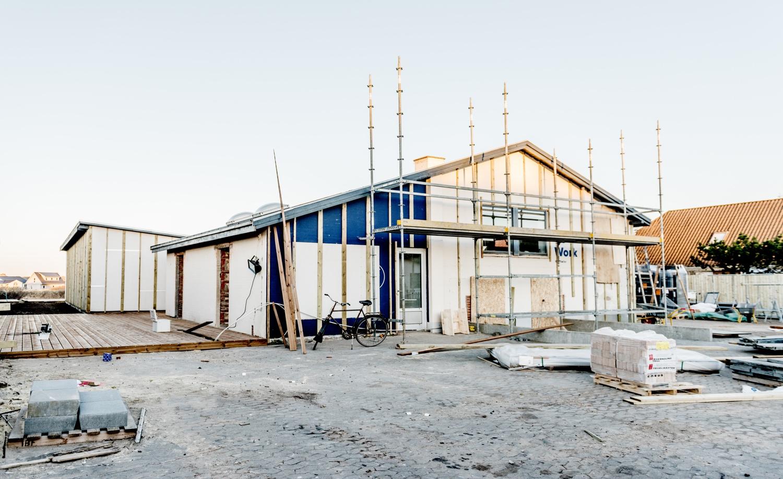Preparations-for-setting-up-the-facade-panels_Ørhagevej-84.jpg
