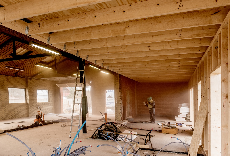 Sandblasting-of-the-building.jpg