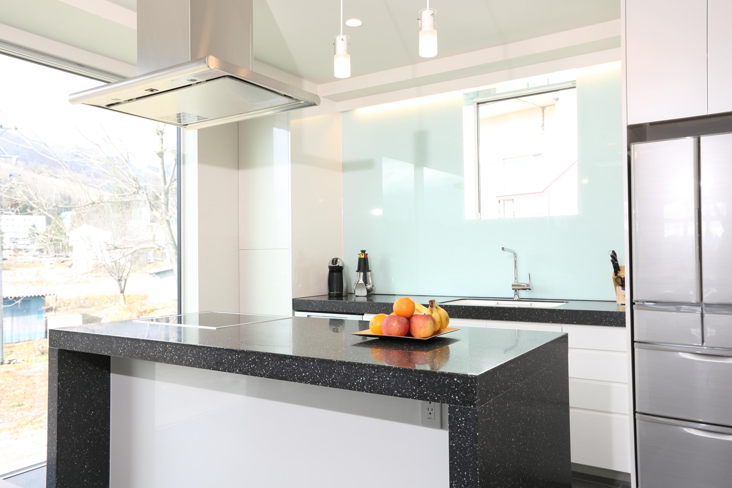 bluebird apartments kitchen.jpg