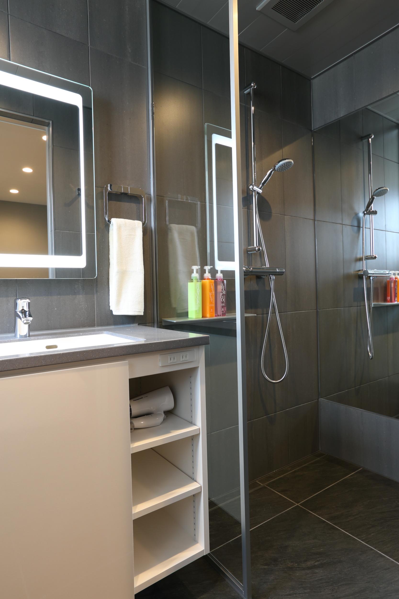 bluebird apartments shower.jpg