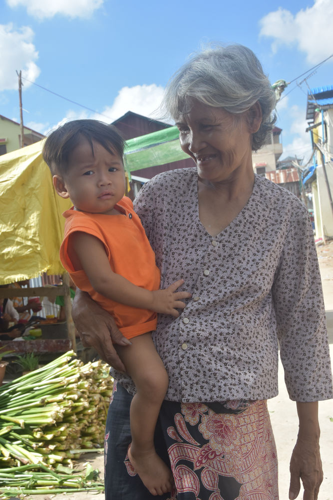 grandmother_and_grandson_-_photo_by_Ellyn_Schellenberg_.jpg