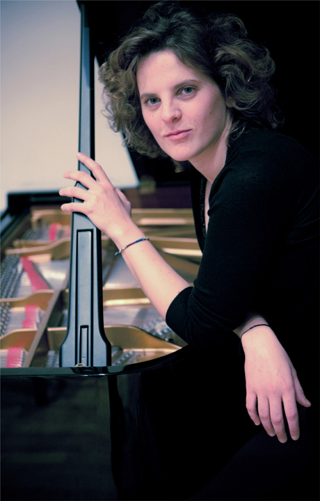 Gloria de Piante Vicin,  pianoforte
