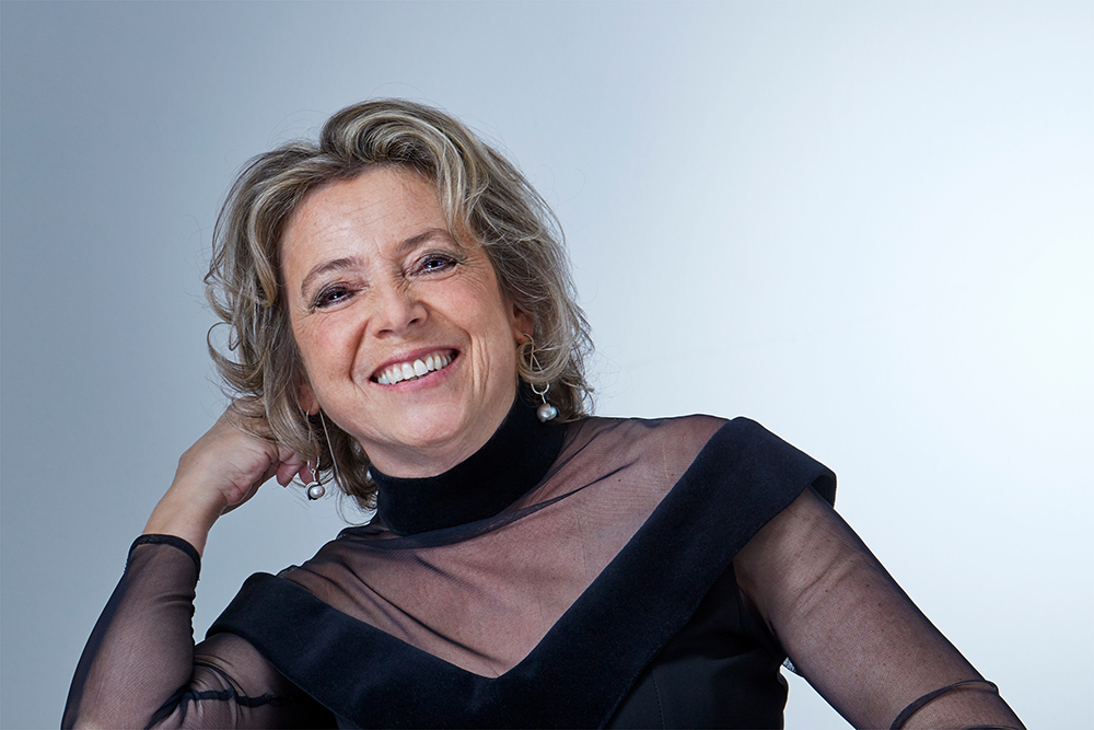 Iris Douma,  soprano